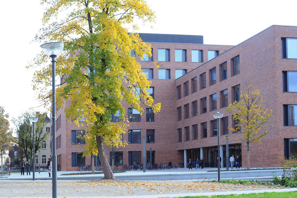 The CrossOver building at Charité Campus Mitte.